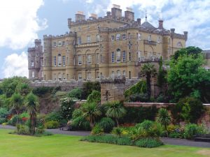 Scottish castle hotels and historical buildings for Stay in a haunted castle in scotland