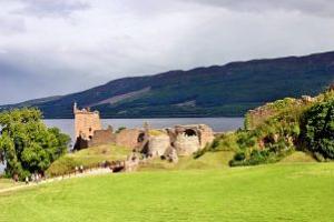 Loch-Ness-Urquhart_Castle